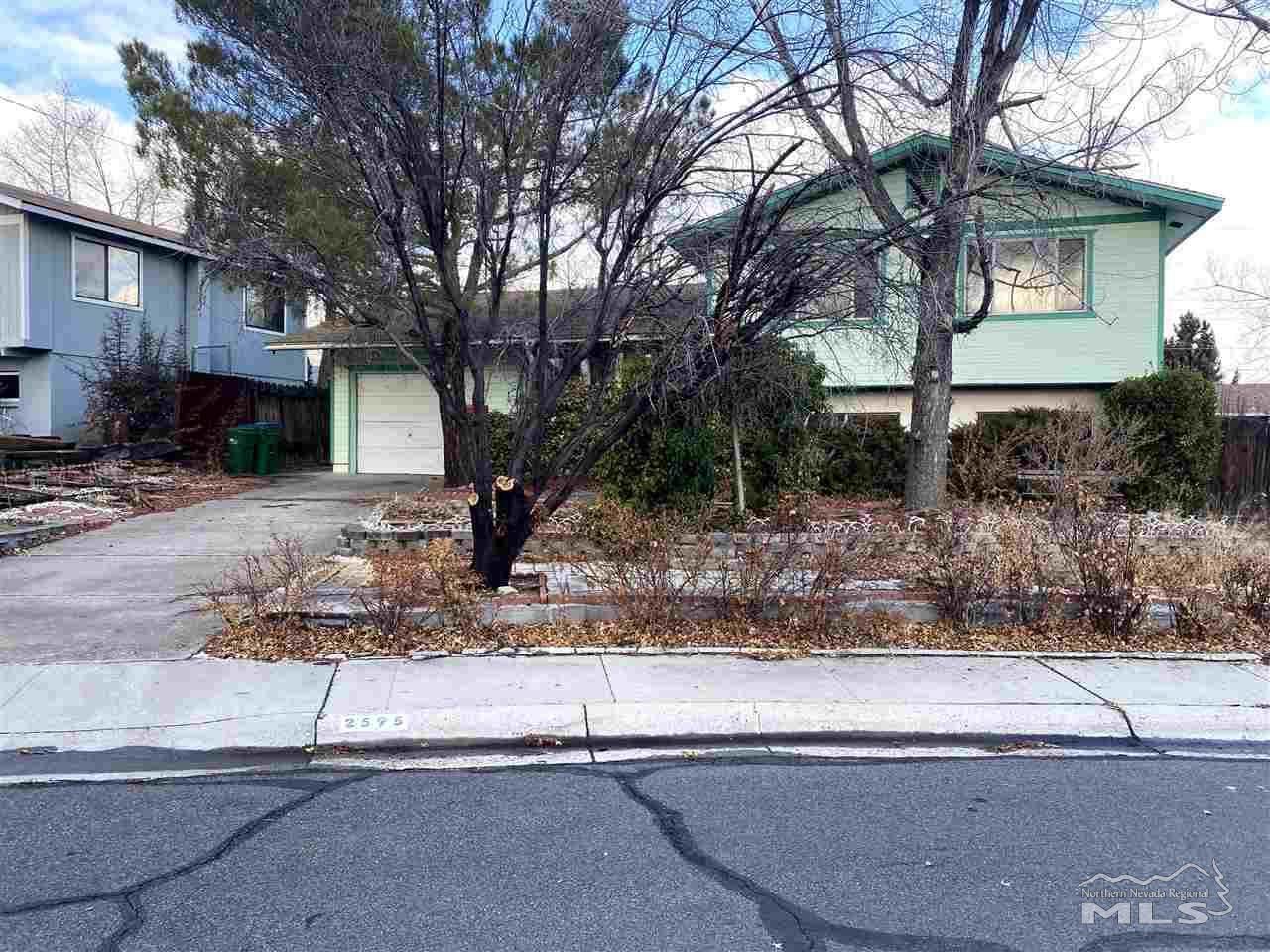 2595 Edgewood Drive - Photo 1