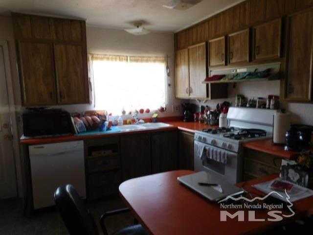 340 Hosking Pl, Sun Valley, NV 89433 (MLS #210000637) :: NVGemme Real Estate