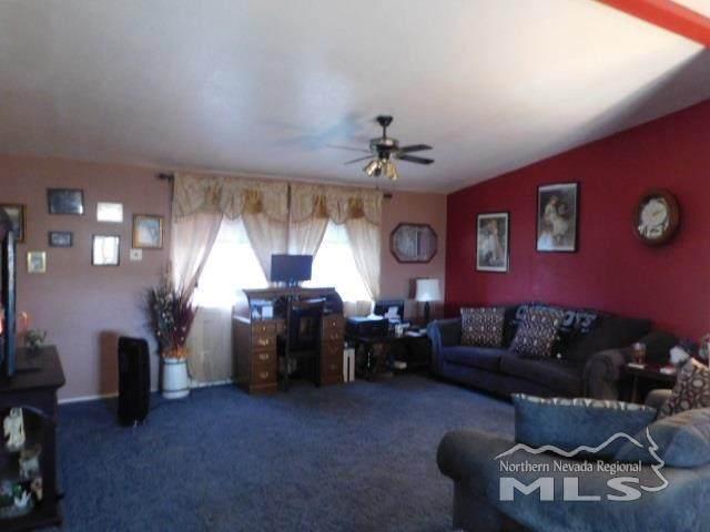 5734 Sidehill, Sun Valley, NV 89433 (MLS #210000652) :: NVGemme Real Estate