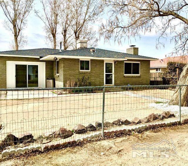 330 West Street, Fernley, NV 89408 (MLS #210001873) :: NVGemme Real Estate