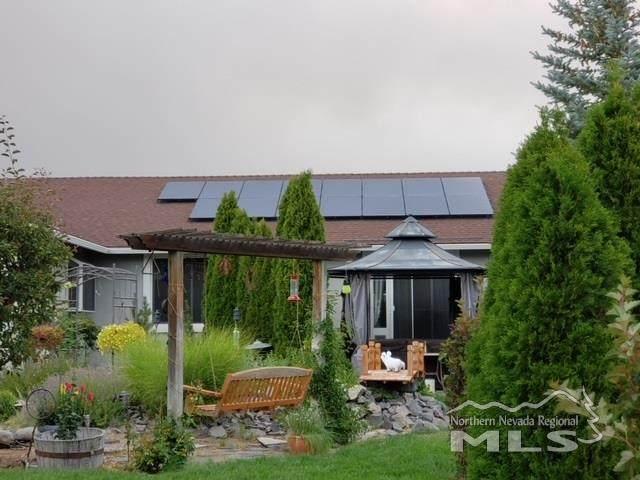 18070 Glen Lakes Crt, Reno, NV 89508 (MLS #210002508) :: NVGemme Real Estate