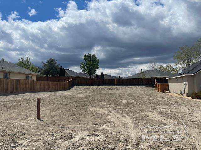1985 Cheyenne Court, Fernley, NV 89408 (MLS #210005582) :: Chase International Real Estate