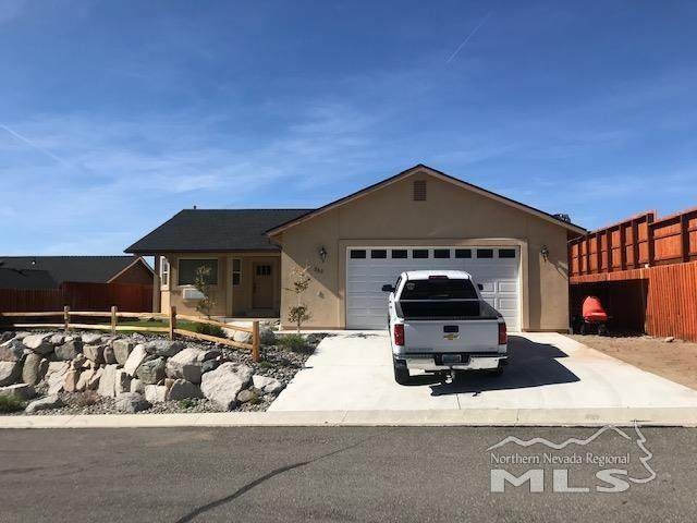 262 Mark St, Gardnerville, NV 89410 (MLS #210006454) :: Vaulet Group Real Estate