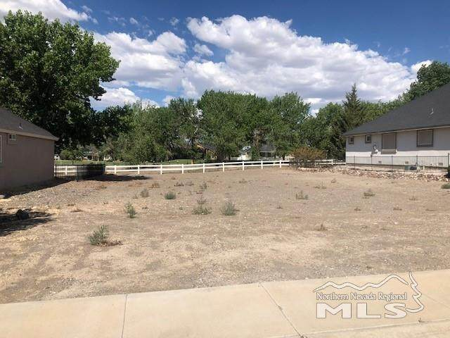 774 Divot Drive, Fernley, NV 89408 (MLS #210010381) :: Vaulet Group Real Estate