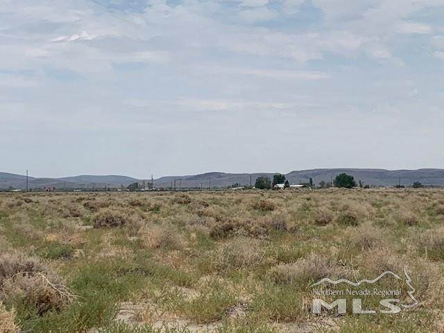 1595 Banner Ave, Silver Springs, NV 89429 (MLS #210011338) :: The Mike Wood Team