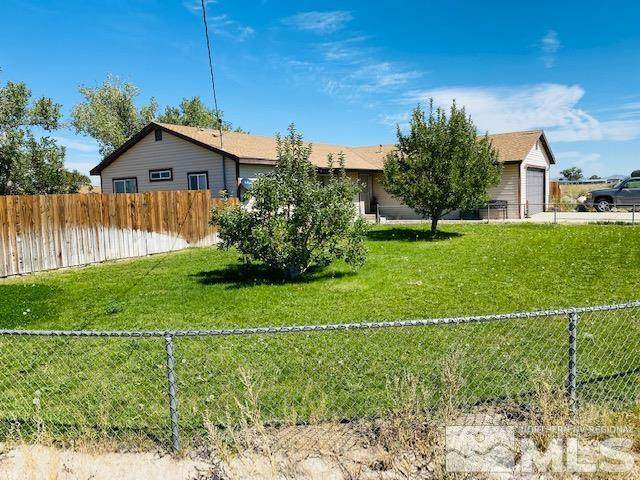 2 Pinehurst Ct, Yerington, NV 89447 (MLS #210014047) :: NVGemme Real Estate