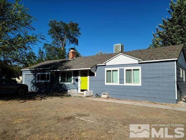 1302 4th St, Sparks, NV 89431 (MLS #210014204) :: Vaulet Group Real Estate
