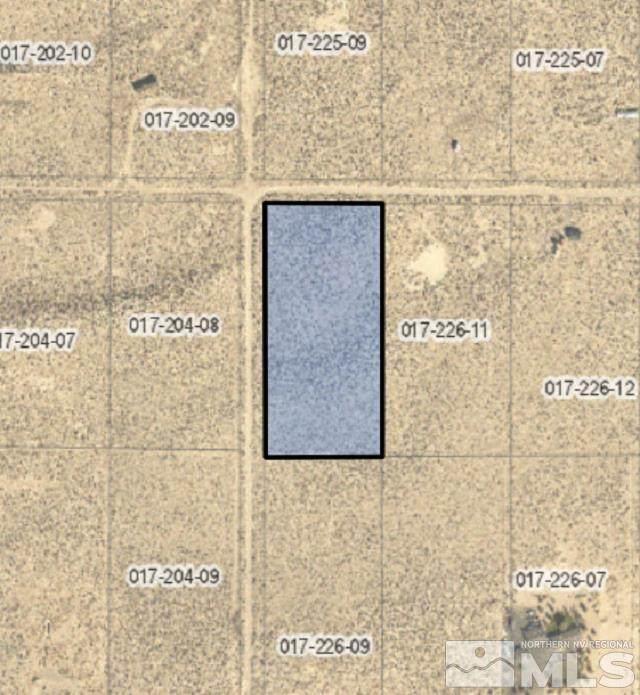 5035 E Fourth Street, Silver Springs, NV 89429 (MLS #210015547) :: NVGemme Real Estate