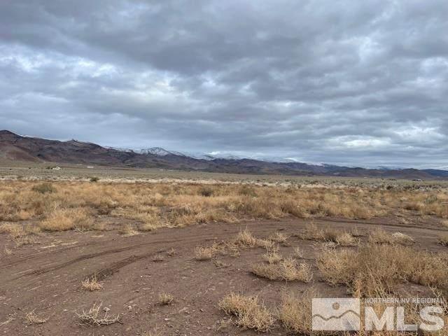 5200 Saddle Blanket Trail, Reno, NV 89510 (MLS #210016144) :: The Coons Team