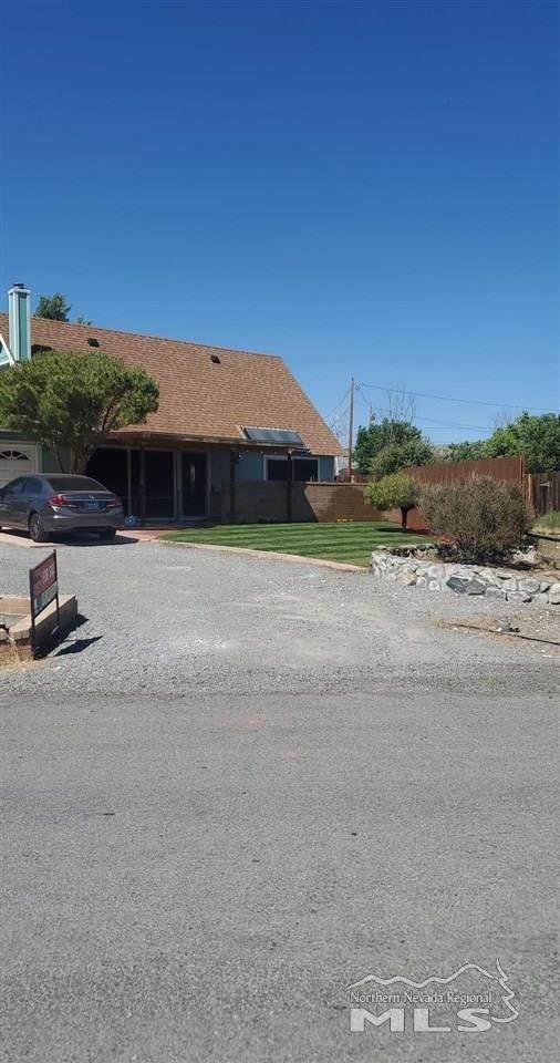 17435 Cold Springs Drive, Reno, NV 89508 (MLS #200008366) :: Chase International Real Estate