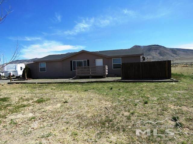 105 Hawk St, Winnemucca, NV 89445 (MLS #210004880) :: NVGemme Real Estate