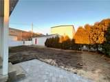 845 Aquidneck Avenue - Photo 12
