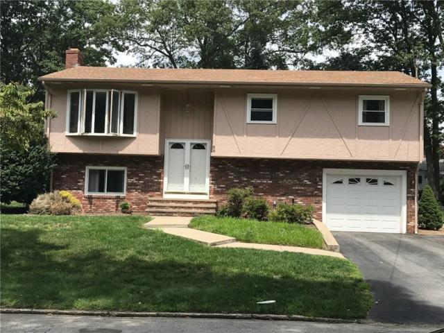 33 Rockcrest Dr, Cranston, RI 02920 (MLS #1179238) :: Westcott Properties
