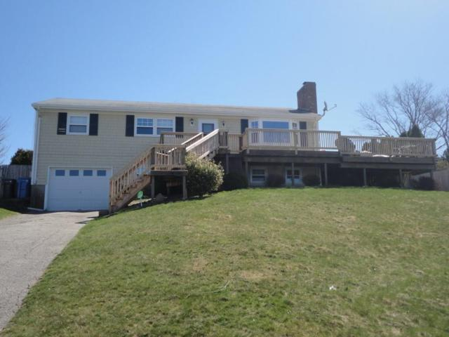 17 Algonquin Dr, Middletown, RI 02842 (MLS #1184720) :: Welchman Real Estate Group | Keller Williams Luxury International Division
