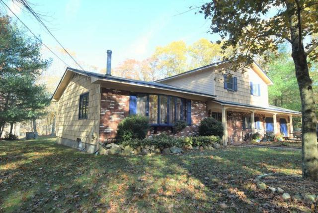 922 Whaley Hollow Rd, Coventry, RI 02816 (MLS #1193029) :: The Martone Group