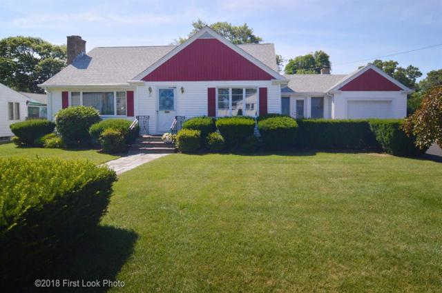 25 Walnut St, North Providence, RI 02911 (MLS #1197199) :: The Martone Group