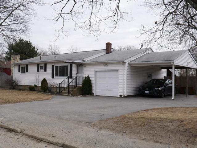 828 Sandy Lane, Warwick, RI 02889 (MLS #1218071) :: The Martone Group