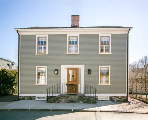 42 Walnut St, Newport, RI 02840 (MLS #1221182) :: Welchman Real Estate Group   Keller Williams Luxury International Division