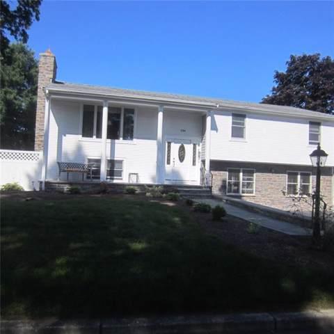 136 Honeysuckle Road, Warwick, RI 02888 (MLS #1236893) :: The Martone Group