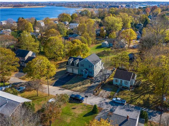 19 Commonwealth Avenue, Barrington, RI 02806 (MLS #1240823) :: Spectrum Real Estate Consultants