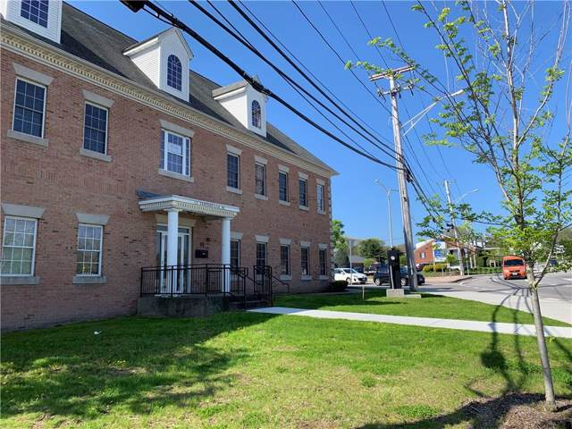 100 Centerville Road, Warwick, RI 02886 (MLS #1244352) :: The Martone Group