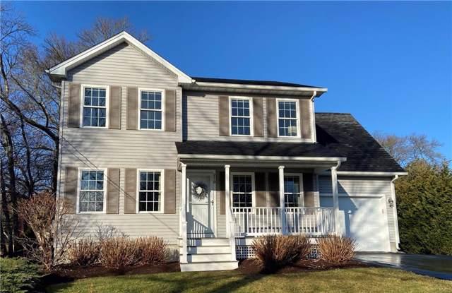 210 Willard Avenue, South Kingstown, RI 02879 (MLS #1244802) :: RE/MAX Town & Country