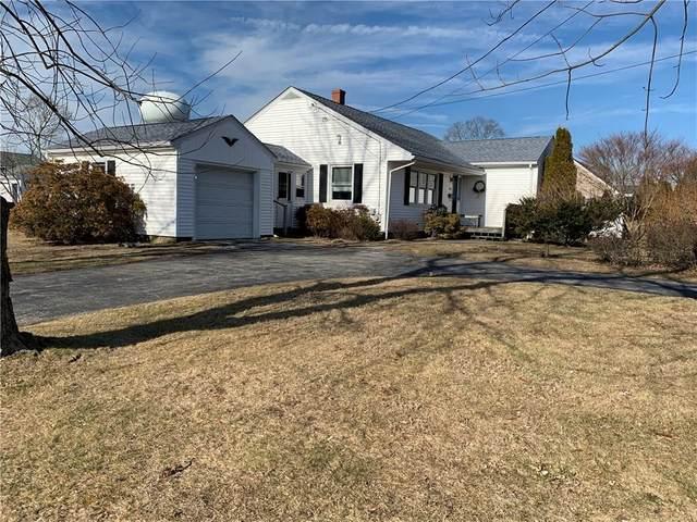 405 Metacom Avenue, Bristol, RI 02809 (MLS #1245431) :: Spectrum Real Estate Consultants