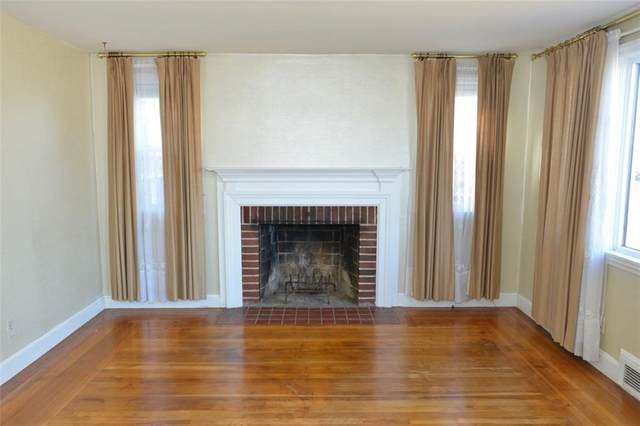 2 Midway Drive, Warwick, RI 02886 (MLS #1247725) :: RE/MAX Town & Country