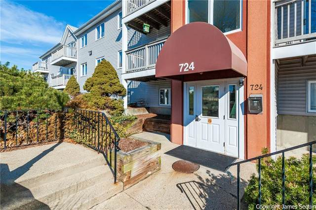 724 Beverage Hill Avenue #304, Pawtucket, RI 02861 (MLS #1248101) :: The Seyboth Team
