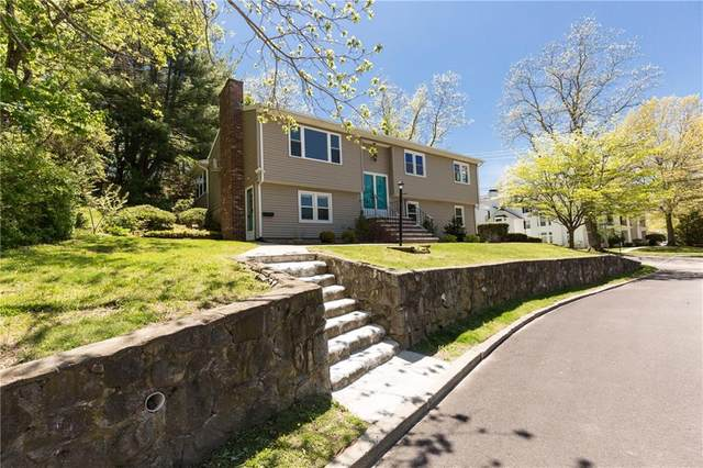 1 Riverview Drive, North Providence, RI 02904 (MLS #1254245) :: The Seyboth Team