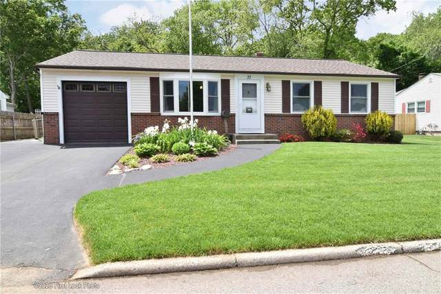 37 Ferncrest Drive, East Providence, RI 02915 (MLS #1254829) :: The Seyboth Team