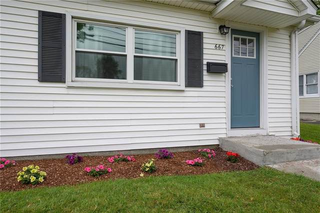 667 Warren Avenue, East Providence, RI 02914 (MLS #1254932) :: The Seyboth Team