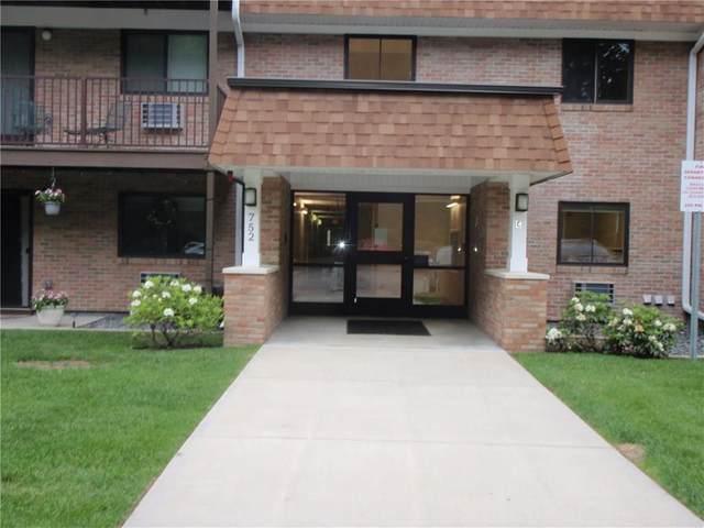 752 Quaker Lane C305, Warwick, RI 02818 (MLS #1256168) :: The Martone Group