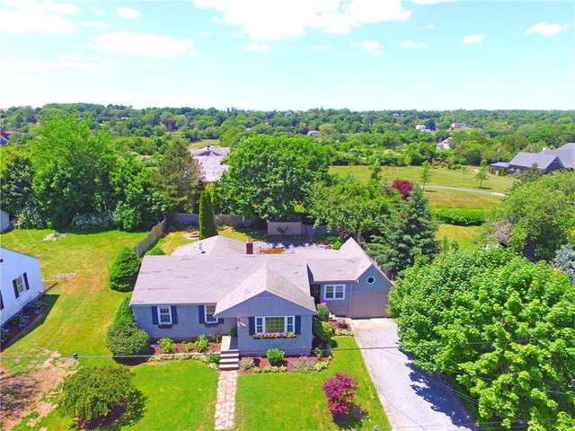 310 Vaucluse Avenue, Middletown, RI 02842 (MLS #1256682) :: Welchman Real Estate Group