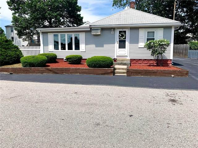 15 Chelmsford Avenue, Warwick, RI 02889 (MLS #1258099) :: Welchman Real Estate Group