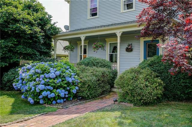 221 Carriage Drive, Portsmouth, RI 02871 (MLS #1258422) :: The Martone Group