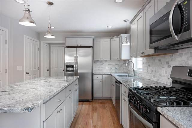 100 Brentwood Avenue, Warwick, RI 02886 (MLS #1262214) :: The Martone Group