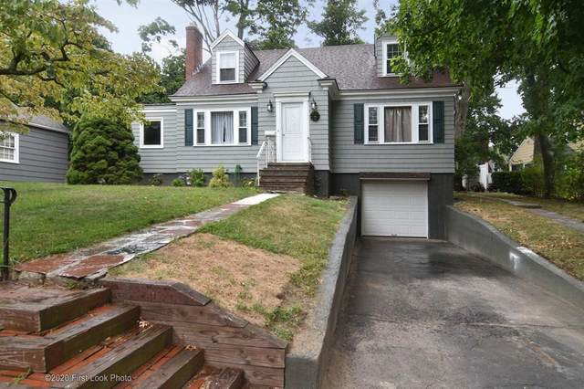 317 Oaklawn Avenue, Cranston, RI 02920 (MLS #1263009) :: The Martone Group