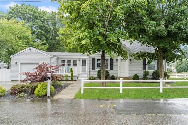 1 Packard Avenue, Cumberland, RI 02864 (MLS #1265089) :: The Martone Group
