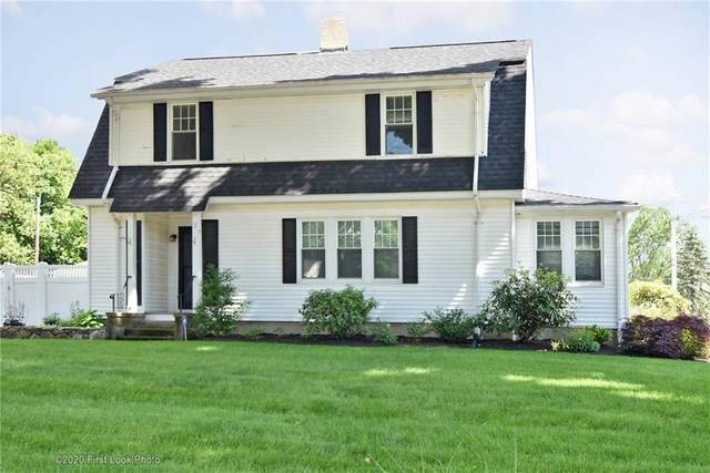 543 Putnam Pike, Smithfield, RI 02828 (MLS #1267452) :: The Martone Group