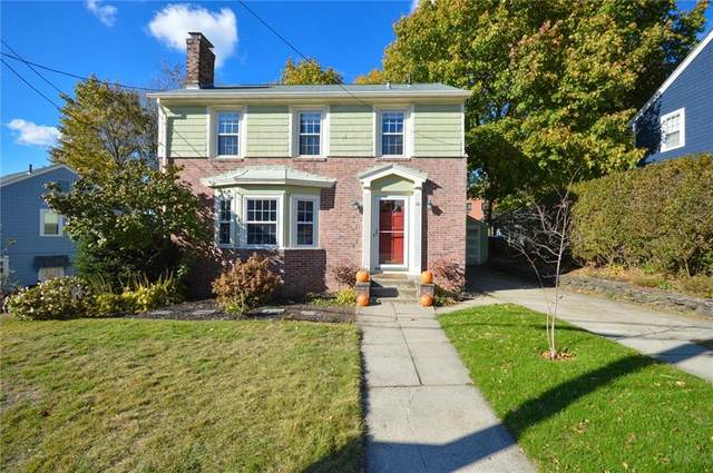 10 Creston Way, East Side of Providence, RI 02906 (MLS #1269255) :: Alex Parmenidez Group