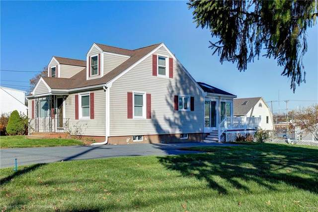 30 Westwood Road, Bristol, RI 02809 (MLS #1270290) :: The Seyboth Team