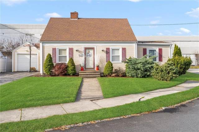 90 Robert Circle, Cranston, RI 02905 (MLS #1271258) :: Alex Parmenidez Group