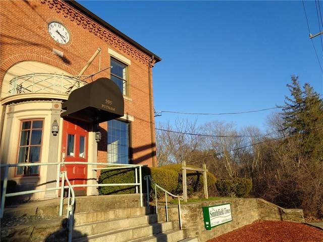 595 Putnam Pike, Smithfield, RI 02828 (MLS #1271773) :: The Martone Group