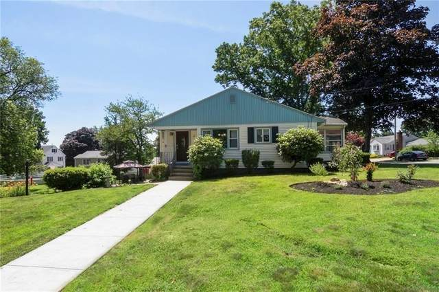 16 Oak Hill Drive, Cumberland, RI 02864 (MLS #1273051) :: The Martone Group