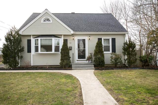 52 Linden Street, Middletown, RI 02842 (MLS #1274130) :: The Martone Group