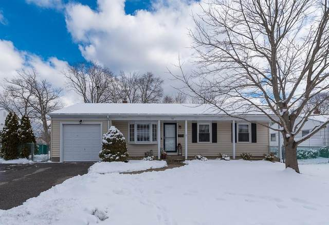 38 Woodcrest Drive, East Providence, RI 02915 (MLS #1275900) :: The Martone Group