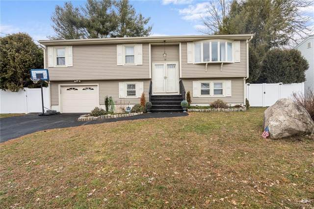 15 Blackberry Knoll Way, Johnston, RI 02919 (MLS #1276603) :: The Martone Group