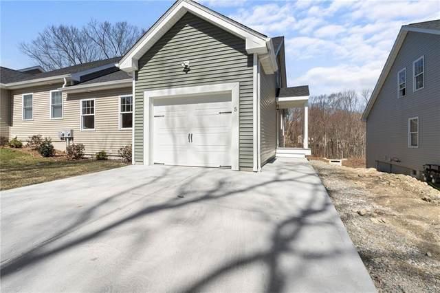 17 Hilltop Condominiums, West Warwick, RI 02893 (MLS #1278358) :: Century21 Platinum