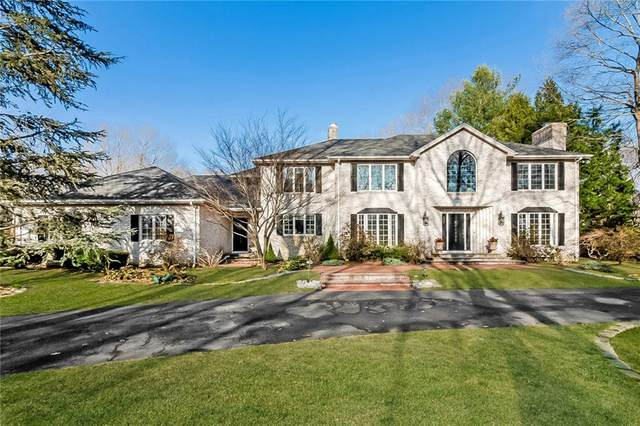 100 Crest Drive, Cranston, RI 02921 (MLS #1278478) :: Welchman Real Estate Group